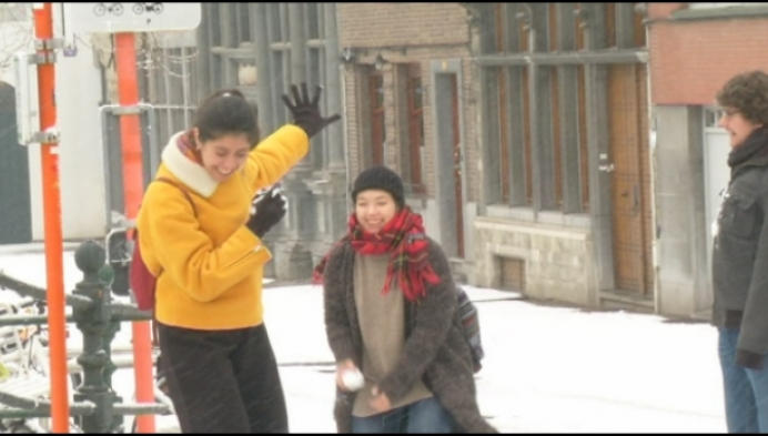 Mechelaars en toeristen genieten van witte stad