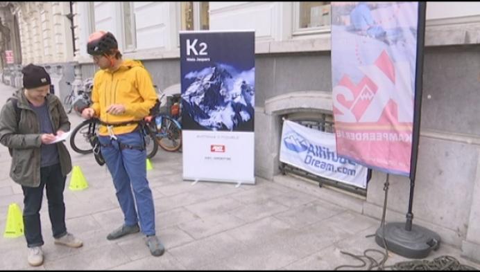 Hoogstratenaar beklimt gebouw als voorbereiding op K2