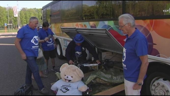 De Hoptimisten met de bus naar Kroatië voor goed doel