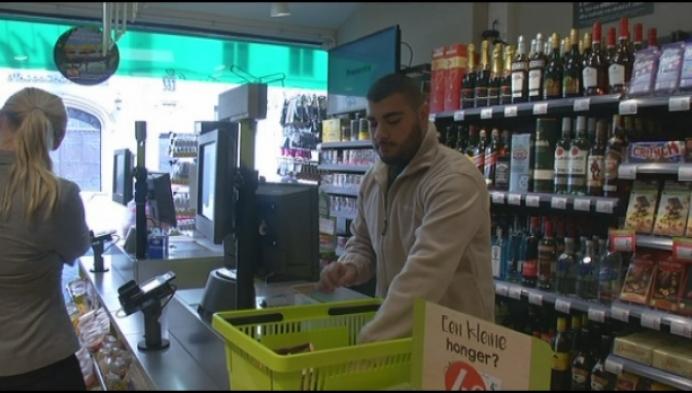 Jonge broers openen buurtsupermarkt aan Veemarkt