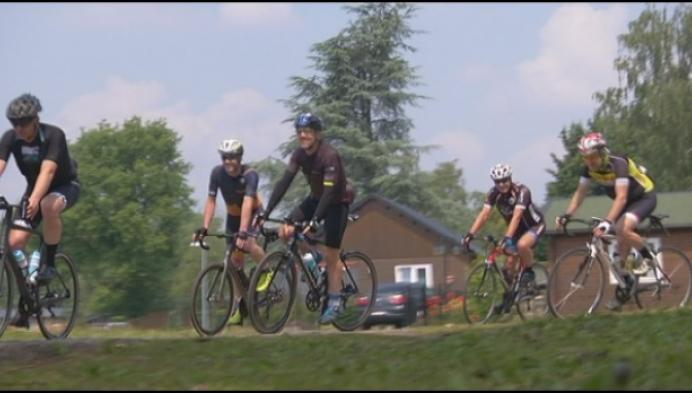 Regiogenoten fietsen door Roemenië voor betere zorg