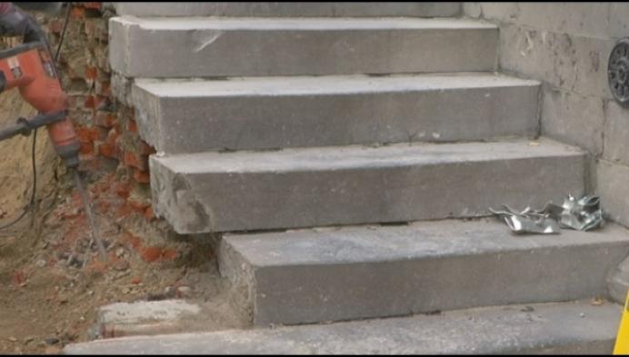 Historische trap gemeentehuis Berlaar krijgt opknapbeurt