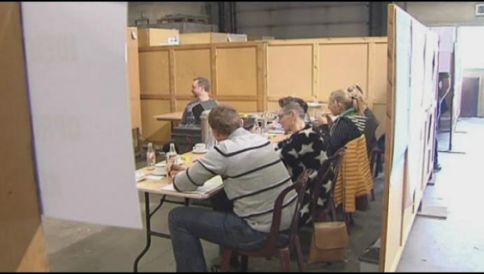 Alle stembureaus dicht