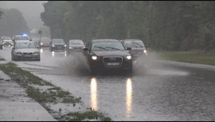 Regenbuien zorgen voor wateroverlast in de Kempen