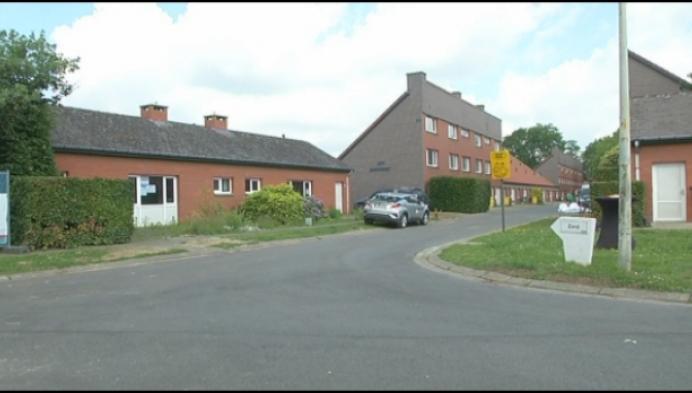 Ex-bewoners breken zelf hun voormailge woning af