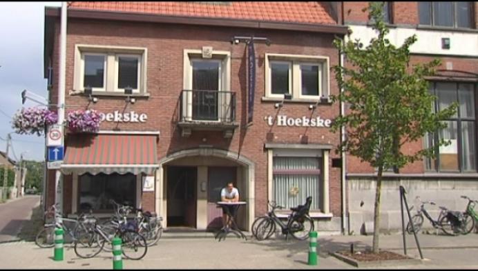 Uitbater neemt na 22 jaar afscheid van café 't Hoekske
