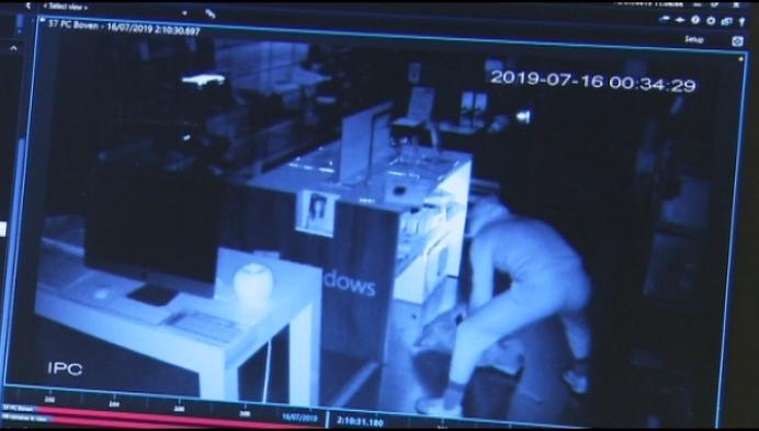 Voor 20.000 euro computers en tablets gestolen bij Electromic in Geel