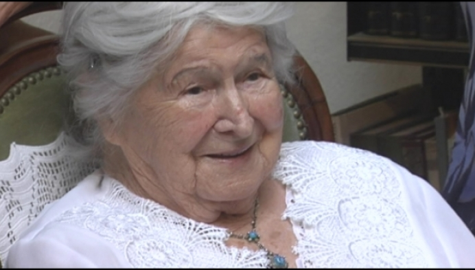 Anneke Béber is 107
