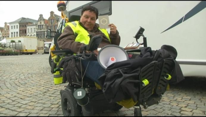 Roosje op pelgrimstocht met elektrische rolstoel