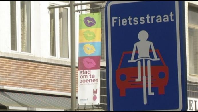 Fietsers inhalen in heel de Mechelse binnenstad verboden