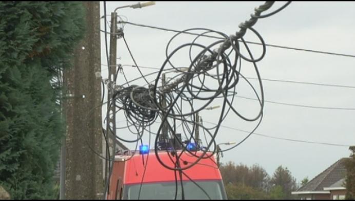Hoogtewerker raakt elektriciteitskabels in Wiekevorst