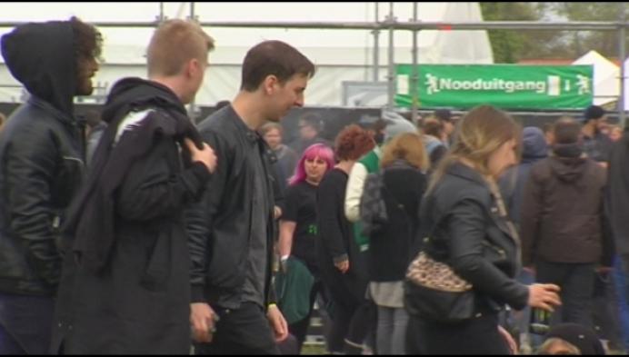 Moet gemeentebestuur gratis naar festivals kunnen?
