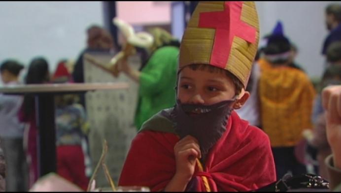 Tientallen kinderen zakken af naar laatste Sint-Mettefeest
