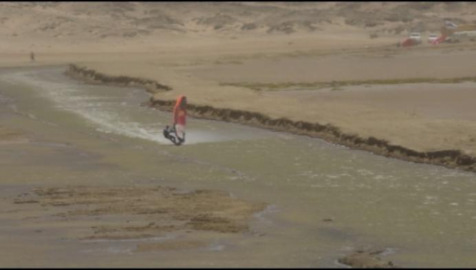 Mechelaar is snelste windsurfer ooit met 103,7 kilometer per uur