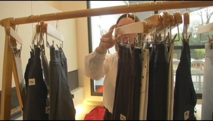 Herentalse mama ontwerpt prikkelarme kledij