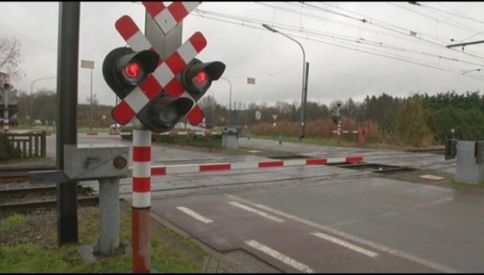 Geen treinverkeer door gesloten slagbomen