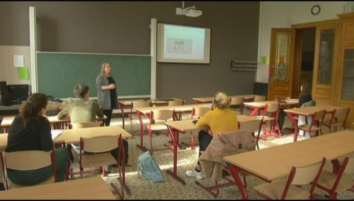 Leraren Sint-Ursula-Instituut krijgen zelf les over online lessen
