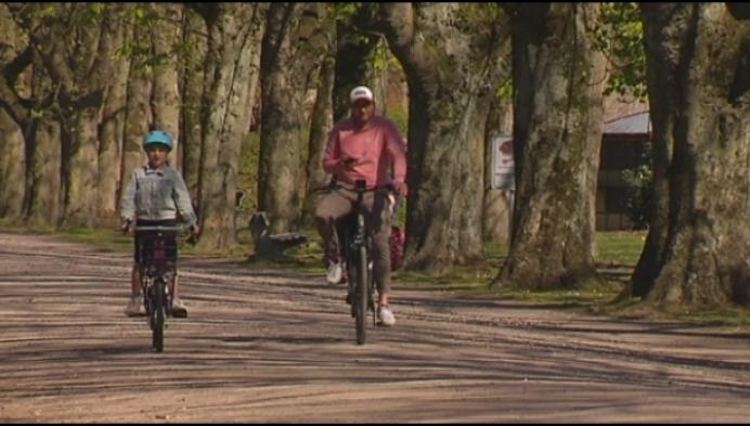 """Burgemeester Turnhout roept op: """"hou het rustig in de parken"""""""