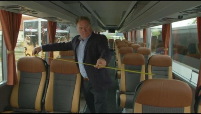 Busbedrijf herschikt zetels in bussen