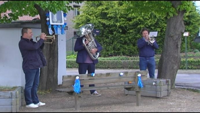 Mei is Mariamaand, dus ook nu (beetje) muziek aan kapel Oosterwijk