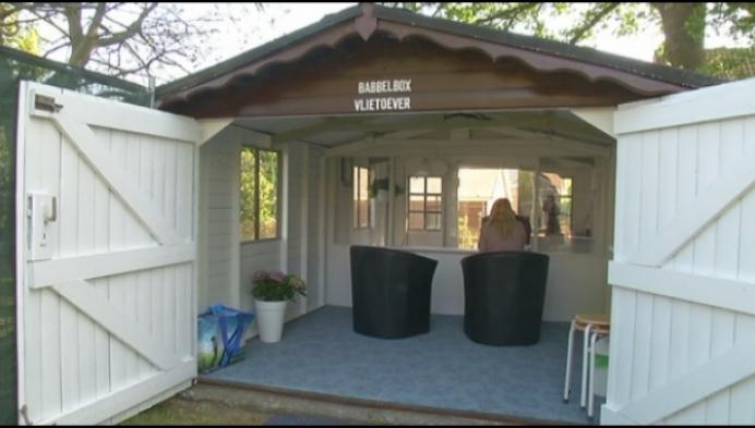Mechelse tuinhuisbouwer geeft 3 babbelboxen weg