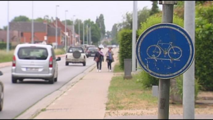 Man zwaargewond na aanrijding fietser