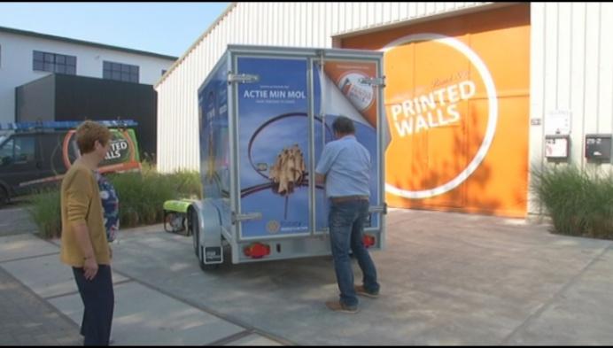 Actie Min krijgt koelwagen van Rotary Club Mol