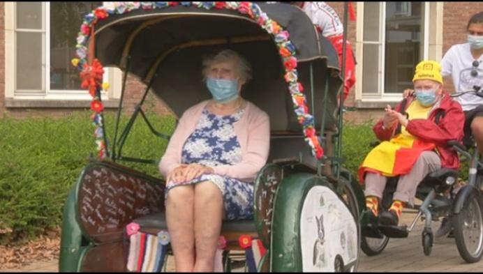 80 bewoners Duffels rusthuis rijden rond met riksja