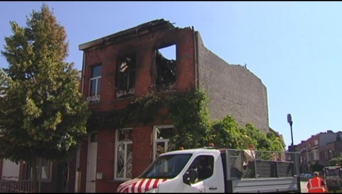 Huis volledig in puin na brand:  'Ze heeft niks meer'