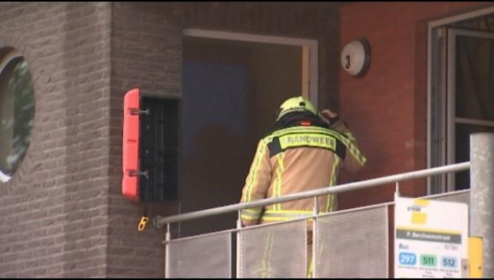Man opgepakt nadat hij appartement in brand steekt