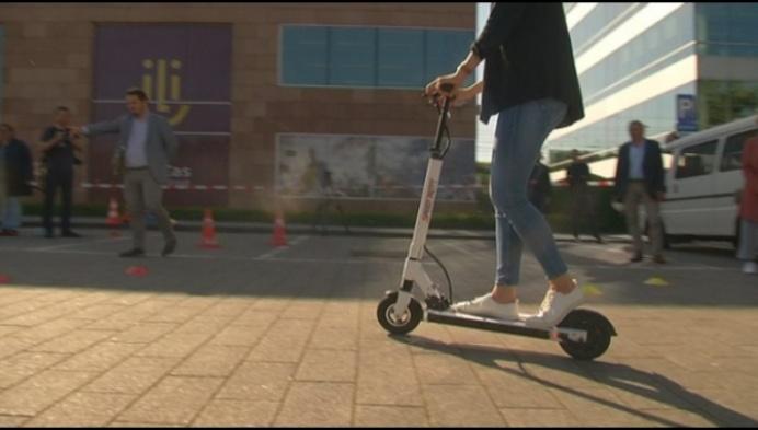 Mechels stadspersoneel maakt kennis met elektrische step