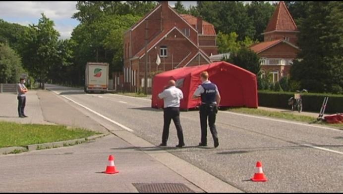 Fietser kritiek na aanrijding door vrachtwagen