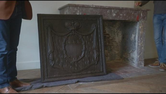 Teruggevonden haardplaat krijgt plekje in kasteel d'Ursel