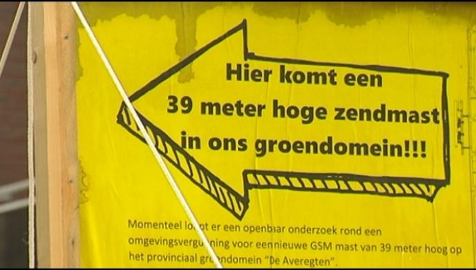 Buurt protesteert tegen gsm-mast in De Averegten
