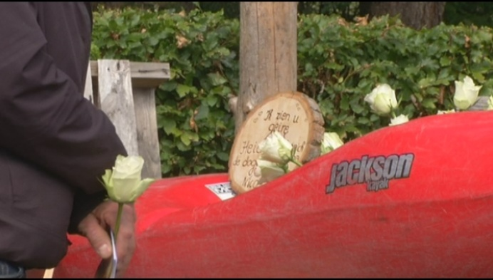 Kajakclub herdenkt overleden voorzitter na dramatisch ongeval