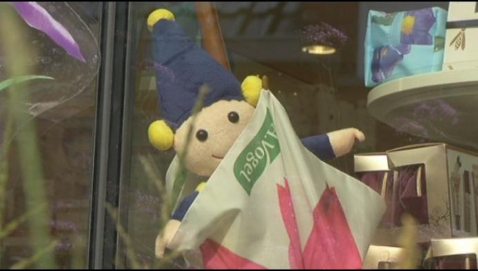 Kabouters verstoppen zich in winkeletalages