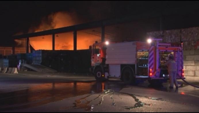 Zware industriebrand bij Turnhoutse afvalverwerker