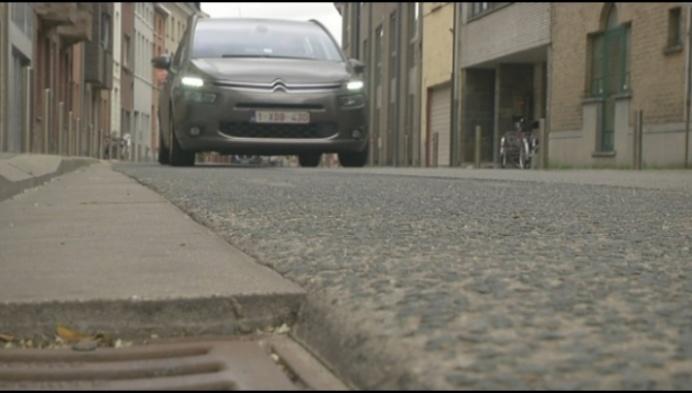 Eindelijk oplossing voor geluidshinder betonnen fietspad Grote Nieuwedijkstraat