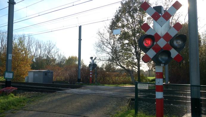 Fietstunnel vervangt spooroverweg zonder slagbomen in Geel