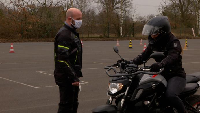 """Na weekend met ongevallen, waarschuwt motorrijschool: """"Wees niet overmoedig!"""""""