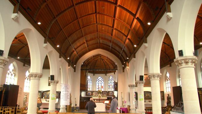 2 kerken ontwijd, andere krijgen nevenbestemming