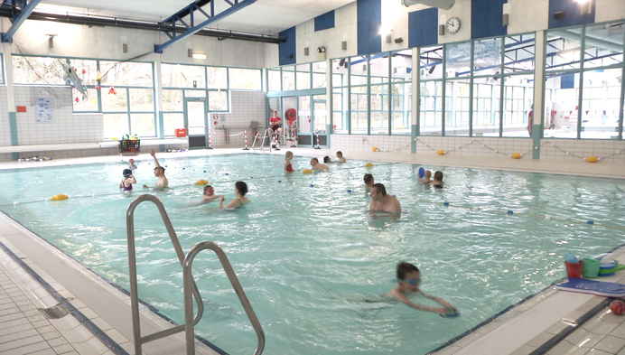 Gure paasmaandag: dan maar zwemmen met gezinsbubbel in Herentals