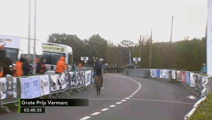 Veldrijders Toon Aerts en Laurens Sweeck maken eerste kilometers op de weg