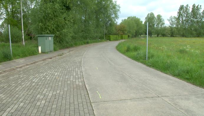Duffel knipt straat Senthout om beek open te leggen