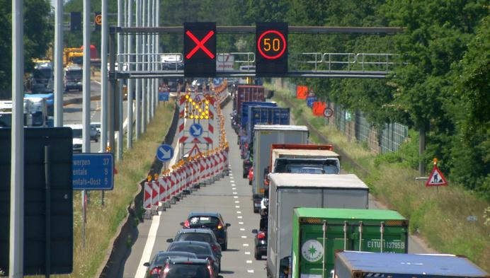 Einde werken aan brug E313 in Oevel in zicht