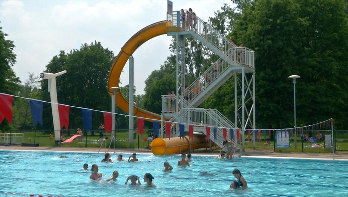 Glijbaan van buitenzwembad Vita Den Uyt in Mol eindelijk weer open