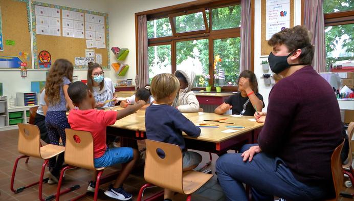 """Eerste zomerschool gaat van start: """"160.000 leerlingen hebben leerachterstand"""""""