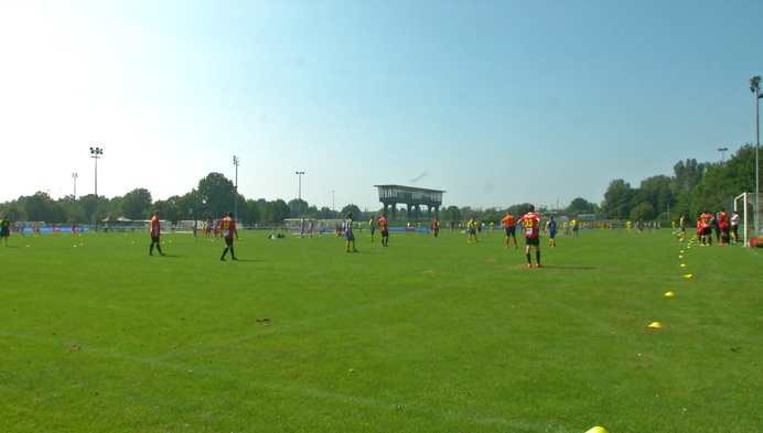 Meer dan 1000 g-voetballers spelen wedstrijd aan de Nekker