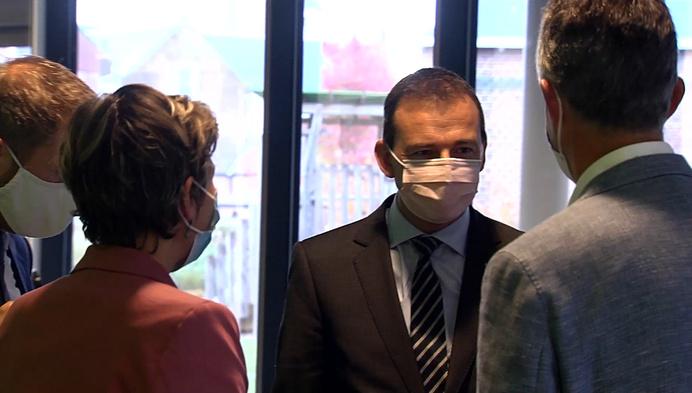 Dag van de zorgkundige: Minister Beke bezoekt Geels woonzorgcentrum