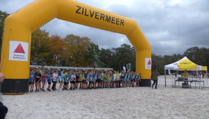 700 leerlingen op 33e editie Crossfestival aan Zilvermeer